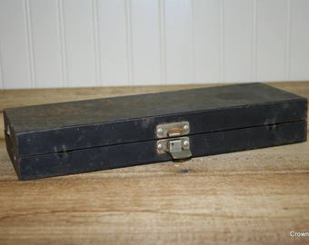 Metal Toolbox - Vintage - Rusty - Storage - Organization - Home decor - Man Cave decor