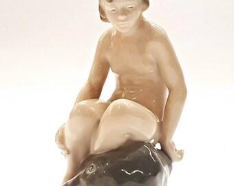Vintage Royal Copenhagen Porcelain Figurine Girl on Rock 4027 by Adda Bonfils, Denmark, Girl figurine Danish Porcelain Collectible figurine