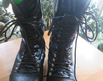 Black lace up boot sz 8 1/2 granny boot Breckettes label black granny lace up boot Boho hip steampunk funky lace up granny boots Size 8 1/2