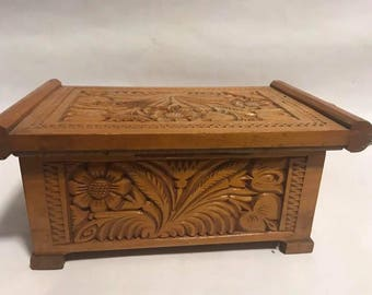 Very beautiful vintage  hand carved box made in 1971 handmade handcrafted crafs