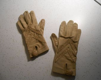 Vintage Aris Isotoner Driving Gloves Women's Camel Color Driving Gloves Used Condition Aris Driving Gloves One Size