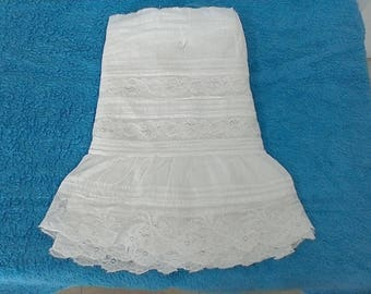 The bottom of skirt wedding dress vintage lace
