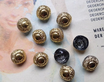 10 old golden glass buttons - smal vintage buttons (011)