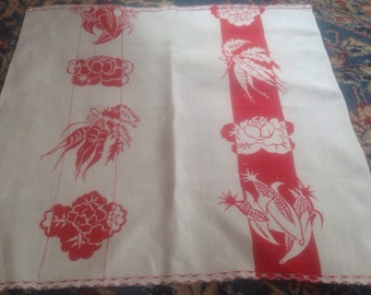 Vintage Vegetables Red and White Luncheon Napkins Linen Pair