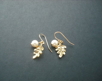 antique gold little oak leaves