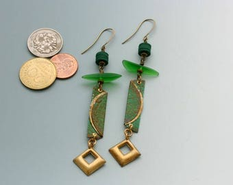 Bottle cap earrings. Green earrings. Recycled glass beads, vintage sequins, upcycled bottle caps, brass. Long earrings. Reuse. Recycle.