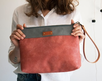 Leather clutch, Vegan leather clutch bag, Zipper clutch, Clutch with strap, Personalized gift, Wristlet