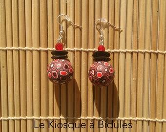 Boucles d'oreilles - Perles fimo millefiori - Noir, rouge et blanc.