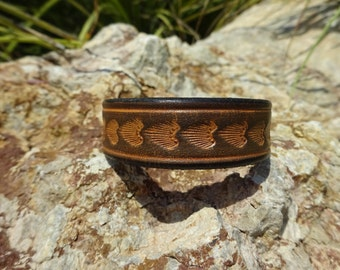 black tooled leather cuff/womans/mens leather cuff bracelet/leather jewelry/upcycled leather cuff/western rustic cuff/shell print cuff/C173