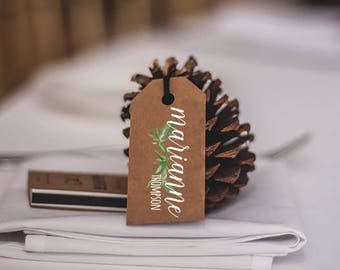 wedding tags/ name tags/ place card tags/ wedding favors/ rustic place cards/ rustic wedding decor/ table decor/ table holders/ name tags