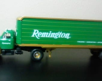 Vintage Mack Truck/1960 Model B 61/Mack Tractor and Trailer/Remington 10 1292 Collectible Replica/scale 1/34 Model/1995 First Gear Tractor