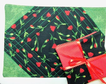 Coaster Snack Mat,  5 pc Poppy Set, Mug Rug Coaster Set, Flower Quilted Mat, Drink Coaster Set, Quilted Snack Mat, Sewnsewsister