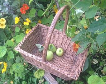 Vintage Wicker Shopping Basket, rustic country basket.