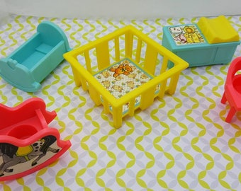 Fisher Price  baby Furniture 1972  Toy Dollhouse  hard plastic Play pen cradle Nursery