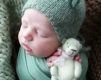 Wool props bear for newborn photography