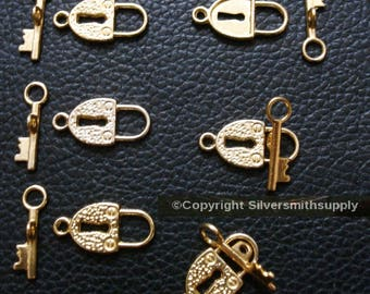 6 Bright gold plated 21mm Padlock and key toggles make necklaces anklets fpc314