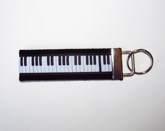 Piano keychain Gift for Piano Teacher Gift for Pianist Gift for Piano Player Gift for Musician Gift for Keyboard Player Music Teacher Gift