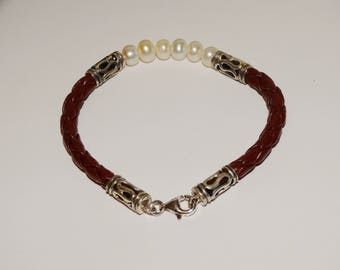 "Sterling Silver Marked 7"" Inch Leather and Genuine White pearl Bracelet."