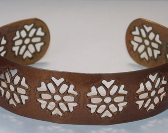 CB203 Vintage Costume Jewelry Gorgeous Snowflakes Cut Out Open Ends Cuff Bracelet Solid Copper Excellent Jewellery For Her