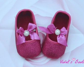 Hot pink baby shoes...soft sole baby shoes..baby girl shoes