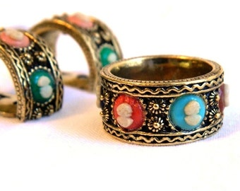 Vintage Etched Gold Cameo Ring Band and Earring Set - TARA Fifth Avenue - Multi Colored Cameos - Blue Pink Black Red Green - Size 7