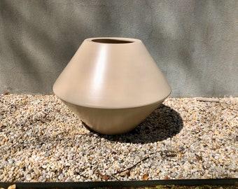 Early Tan Glazed Architectural Pottery Diamond Planter Lagardo Tackett IN-03