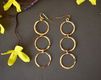 Hammered gold Earrings,gold Chandelier Earrings,18K gold vermeil minimalist jewelry,modern Jewelry,circle earrings by Taneesi YE232C