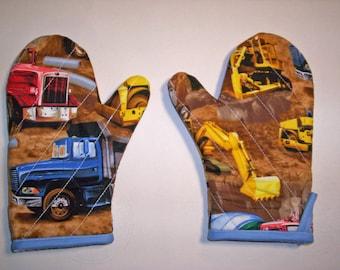 Children's oven mitts pair, Big trucks