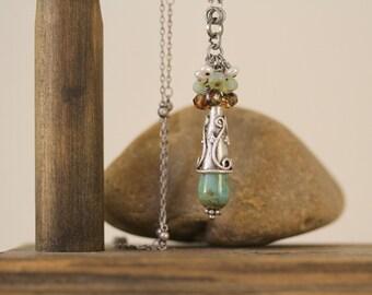 Türkis Glas-Teardrop-Halskette, Antik Silber Halskette, minimalistische Halskette, zierliche lange Halskette, Türkis und braun