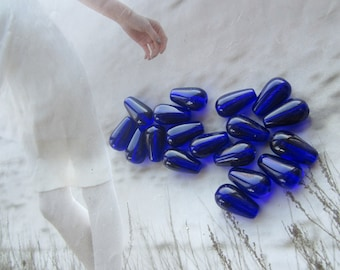 Czech Preciosa Cobalt Glass 13x7mm Teardrop Beads 25Pcs.