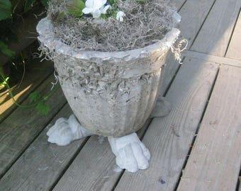 Concrete Lion Paw Pot Feet or Risers 2 sets