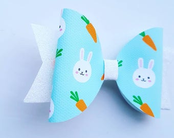 Rabbit and carrot large bow
