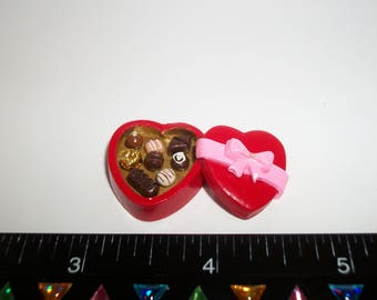 22mm ~ Dollhouse Miniature Handcrafted Valentines Day Heart Chocolate Candy Sweet Dessert Doll Food 904