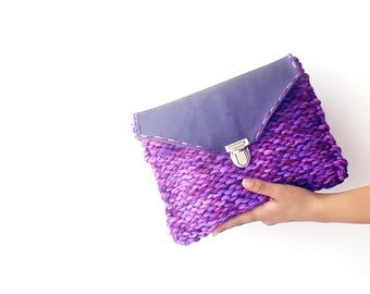 Purple knitted bag chunky hippie purse purple clutch bag Leather knit clutch bag flap clutch boho clutch handknitted clutch bag knit purse