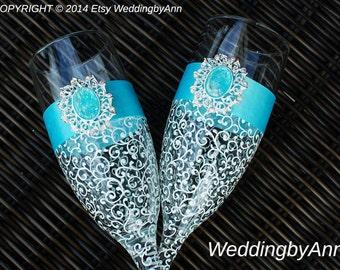 Elegant  Wedding Champagne Glasses-Turquoise Wedding glasses - Bride And Groom - Personalized Toasting Flutes