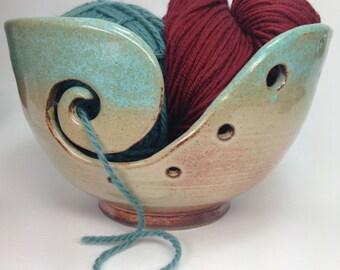Knitting Bowl, Ceramic Yarn Bowl, Green Crochet Bowl, Yarn Holder, Gifts for Knitters, Clay Yarn Organizer, Pottery Yarn Bowl, MADE TO ORDER