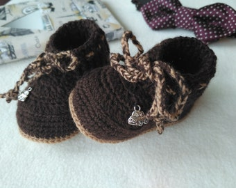 Crochet baby booties,Newborn Baby Booties,Brow booties, Crochet baby boy booties ,Baby Shower Gift for baby,Boy's shoes,size 6-9 month