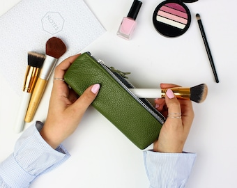Green Leather Pencil Case // Gift for Him // Leather Pen Case //Pencil Bag // Leather Case // Minimal Pencil Case // Leather Pouch