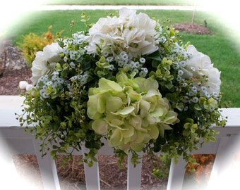 Green & Ivory Hydrangea Floral Centerpiece, Faux Floral Arrangement, Silk Flower Arrangement,Home Decor, Interior Decor, Wedding Centerpiece