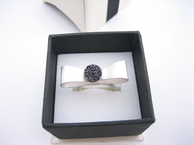 Silver bow ring with black druzy quartz, elegant bow ring, hammered silver artisan bow ribbon ring, engagement women's rings, ballerina ring