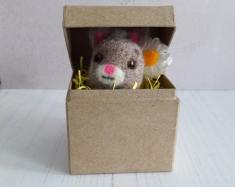 Easter bunny in a box - felt rabbit - needle felted animal - Easter gift - Easter rabbit - Easter felted rabbit - felt baby bunny