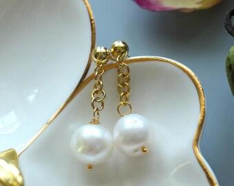 White Pearl Ear nail