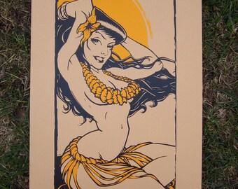 Hula Girl - Tan and Gold