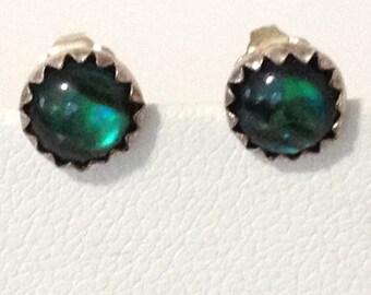 Green Glass 6 mm Pierced Post Earrings 925 Sterling Silver gw15-950