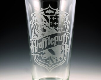 Harry Potter Hufflepuff House Crest Pint Glass