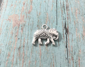 4 Elephant charms (2 sided) antique silver tone - silver elephant pendants, Indian elephant charms, animal pendants, zoo charms, 109