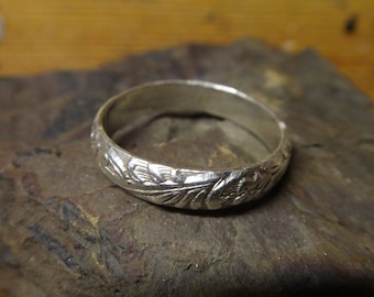 Vintage Solid Sterling Silver Floral Ring Size 8 18mm