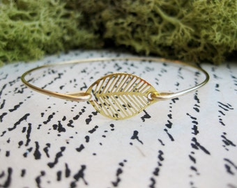 Gold Leaf Bangle Bracelet, Gold Leaf Bracelet, Leaf Bangle, Gold Bangle bracelet, Gold Jewelry, Leaf Jewelry, Leaf Bracelet