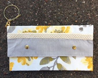 Floral Clutch with Bracelet Strap