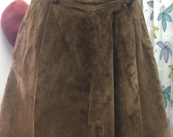 1970s Suede skirt with pockets
